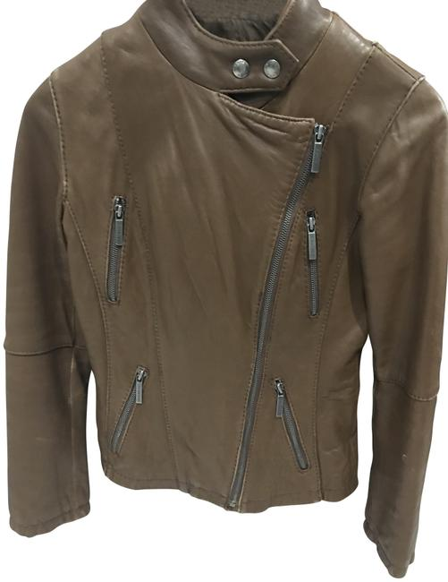 Preload https://img-static.tradesy.com/item/22462397/michael-michael-kors-brown-leather-moto-jacket-size-0-xs-0-1-650-650.jpg