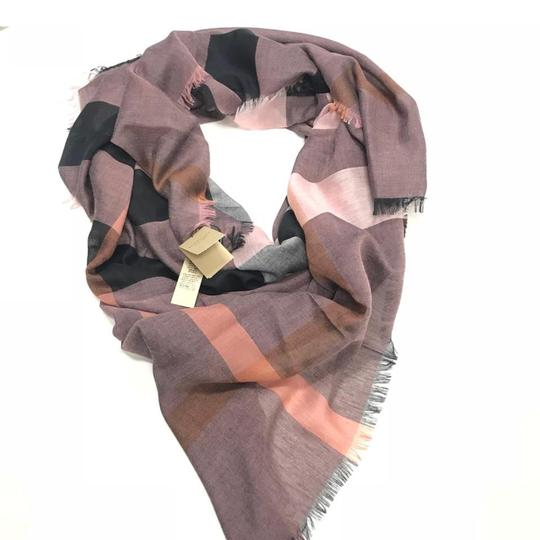 Burberry Relaxed Mega Check square Scarf