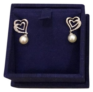 Zales 14k white gold heart diamond with fresh cultured pearl earring