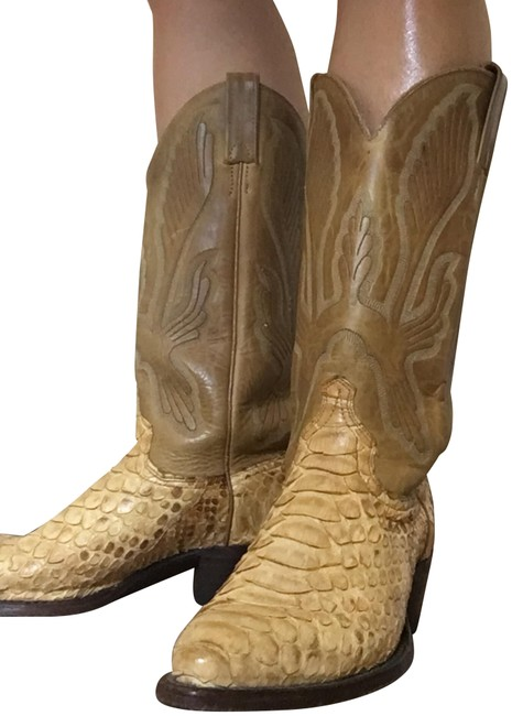 Item - Natural Gold Toned Near Mint Python and Leather Whip-stitched Cowboy Boots/Booties Size US 7 Wide (C, D)