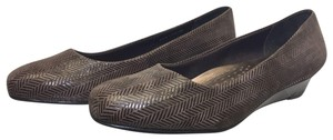 Trotters Leather Patent Leather Brown Wedges