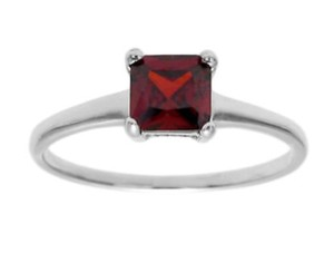 9.2.5 Beautiful 925 silver square ruby ring size 7