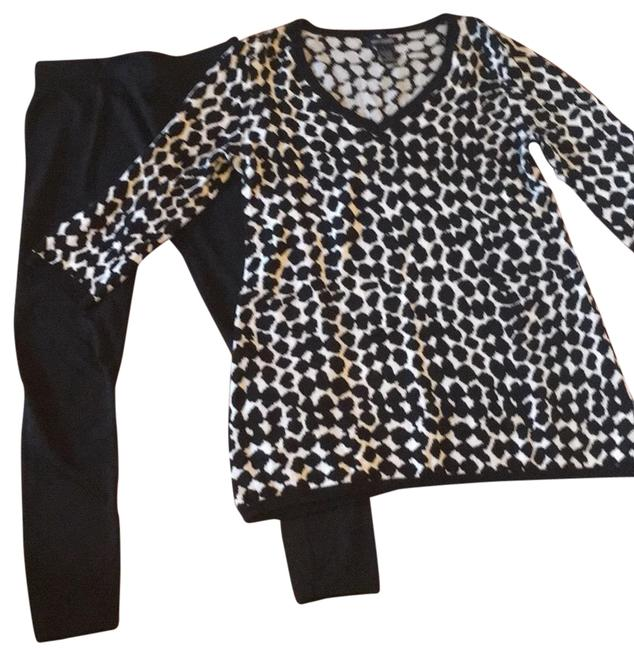 Item - Spotted Black and White Sweater