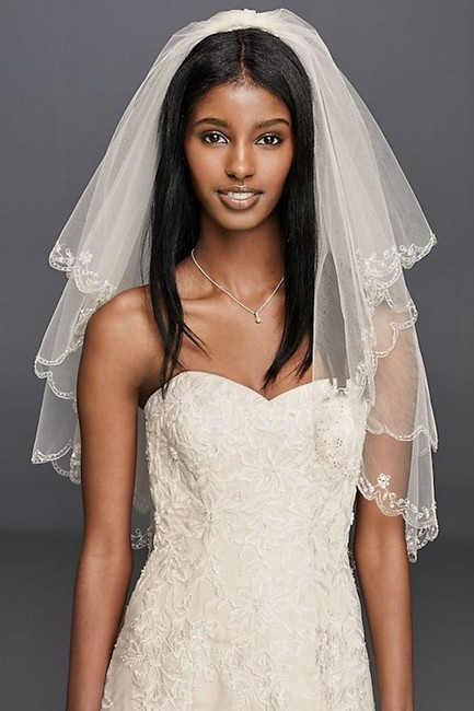 Item - Ivory Medium Fingertip Length Two-tier with Scallop Edge Bridal Veil