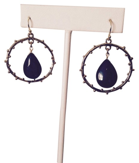 Preload https://img-static.tradesy.com/item/2246849/greengold-embellished-by-leecia-nwot-onyx-polished-teardrop-in-branch-design-circle-earrings-0-0-540-540.jpg