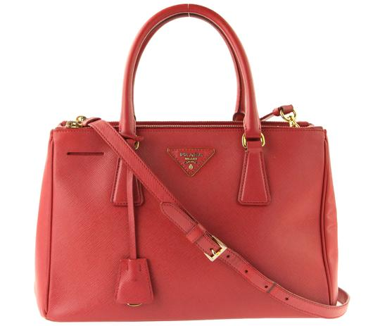 Preload https://item2.tradesy.com/images/prada-double-lux-medium-double-zip-red-leather-satchel-22470346-0-2.jpg?width=440&height=440