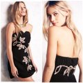 Free People Black and Gold Limited Edition Embroidery Strapless Mini Short Night Out Dress Size 6 (S) Free People Black and Gold Limited Edition Embroidery Strapless Mini Short Night Out Dress Size 6 (S) Image 4