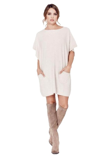 Preload https://item4.tradesy.com/images/love-stitch-oatmeal-slip-front-pockets-with-button-closure-cape-size-os-one-size-22470548-0-0.jpg?width=400&height=650