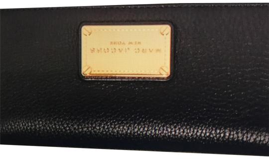 Preload https://img-static.tradesy.com/item/22470625/marc-jacobs-black-wallet-0-1-540-540.jpg