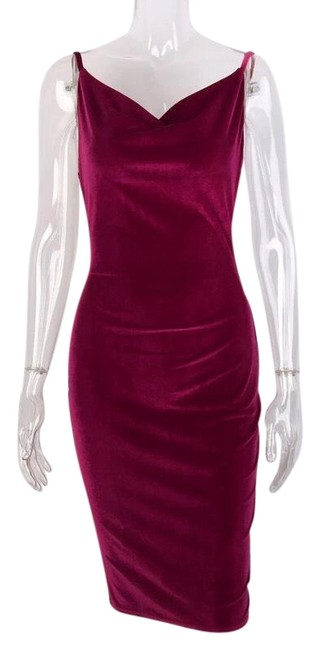 Preload https://img-static.tradesy.com/item/22470835/red-small-sexy-mid-length-night-out-dress-size-4-s-0-3-650-650.jpg