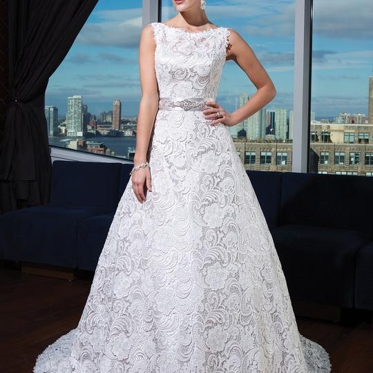 Preload https://img-static.tradesy.com/item/22471219/justin-alexander-ivoryoyster-venicelace-satin-lining-9736-modest-wedding-dress-size-10-m-0-0-540-540.jpg
