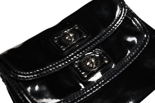 Preload https://item2.tradesy.com/images/marc-jacobs-double-black-patent-leather-clutch-22471301-0-1.jpg?width=440&height=440