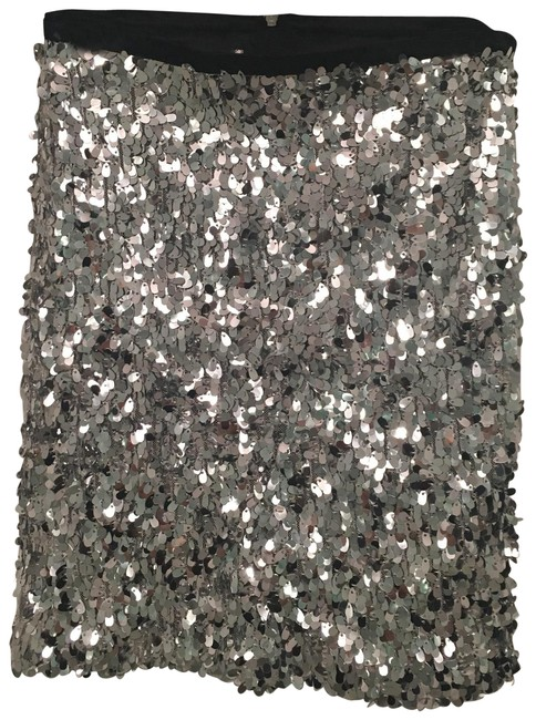 Preload https://img-static.tradesy.com/item/22472121/urban-outfitters-silver-silence-and-noise-sequin-skirt-size-0-xs-25-0-1-650-650.jpg