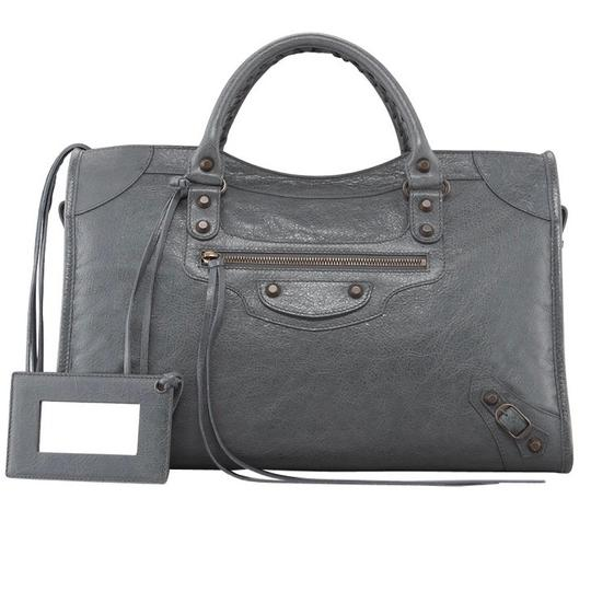 Preload https://img-static.tradesy.com/item/22472595/balenciaga-classic-city-gris-tarmac-grey-lambskin-leather-shoulder-bag-0-0-540-540.jpg