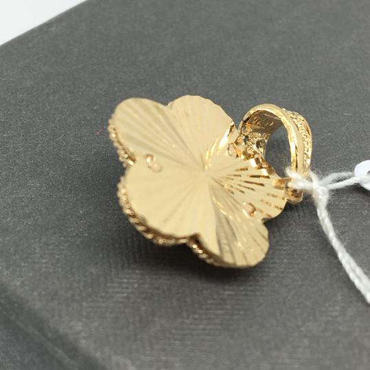 Other 18K Yellow Gold Flower Pendant