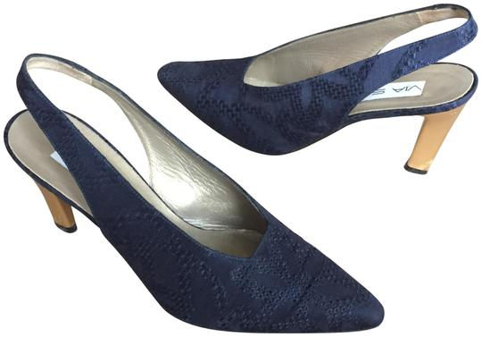 Preload https://img-static.tradesy.com/item/22472902/via-spiga-navy-vtg-blue-sling-back-heels-12-made-in-italy-pumps-size-us-65-regular-m-b-0-2-540-540.jpg