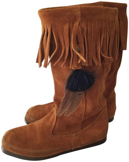 Preload https://item3.tradesy.com/images/minnetonka-brown-single-layer-fringe-with-detouchable-feathertassel-bootsbooties-size-us-7-narrow-aa-22472992-0-1.jpg?width=440&height=440