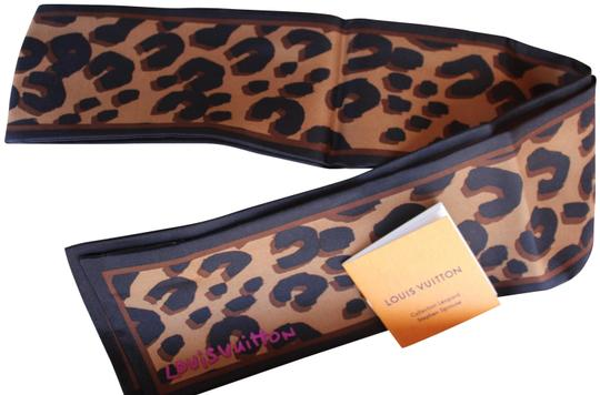 Preload https://item4.tradesy.com/images/louis-vuitton-brown-leopard-bandeau-in-a-box-scarfwrap-22473098-0-5.jpg?width=440&height=440