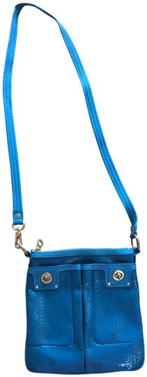 Preload https://img-static.tradesy.com/item/22473099/marc-by-marc-jacobs-turquoise-leather-cross-body-bag-0-1-540-540.jpg