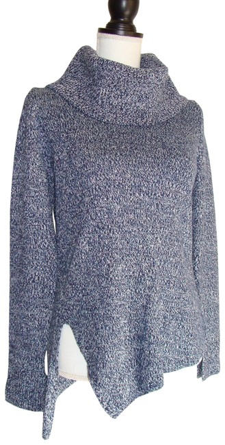 Preload https://item3.tradesy.com/images/white-house-black-market-blue-holiday-high-low-sweaterpullover-size-4-s-22473242-0-1.jpg?width=400&height=650