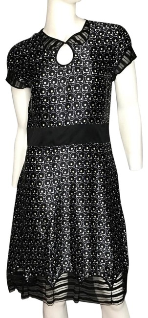 Marc Jacobs Sheer Detail Mid-length Night Out Dress Size 6 (S) Marc Jacobs Sheer Detail Mid-length Night Out Dress Size 6 (S) Image 1