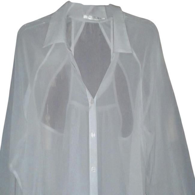 Preload https://item3.tradesy.com/images/white-blouse-size-12-l-2247692-0-0.jpg?width=400&height=650