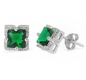9.2.5 Gorgeous green emerald halo earrings