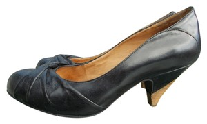 Miz Mooz Stylish Comfortable Black Pumps