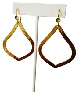 Panacea Cache NWOT Peridot Cabochon In Hammered 14kt Gold-Plate Dangle Earrings