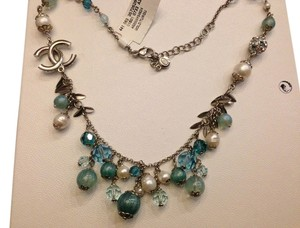 Chanel CHANEL AUTHENTIC NWT BLUE & GREEN STONES WITH FAUX PEARL NECKLACE