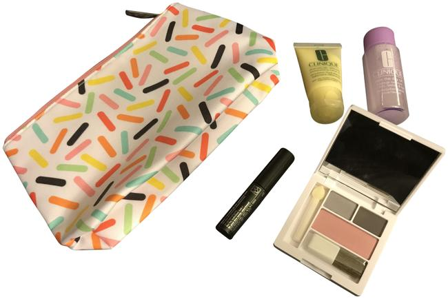 Item - White And Beauty Bundle Cosmetic Bag