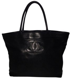 Chanel Tote in Black Leather