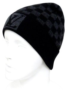 Louis Vuitton Hats - Up to 70% off at Tradesy 374188594af