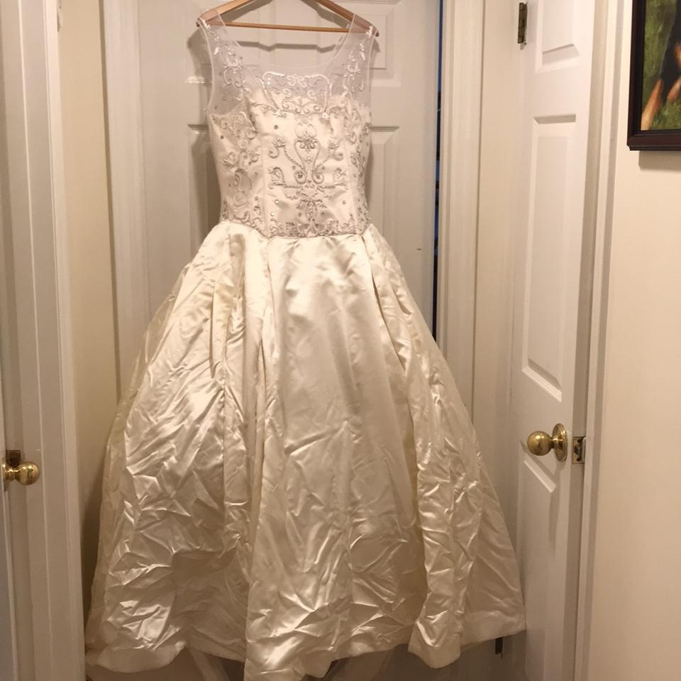 Used Plus Size Ball Gowns: Reem Acra Ivory Satin Bridal Formal Wedding Dress Size 16