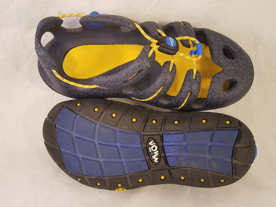 f23ab3f9c890 Keen Gray Mion By Gsr Sandals Size US 4 Regular (M