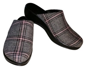 Clarks Back and Pink Houndstooth Mules