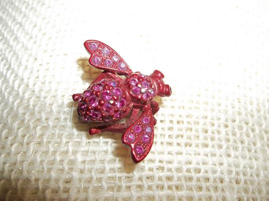 """Tricia's Boutique """"Fly Brooch(Pin)"""""""