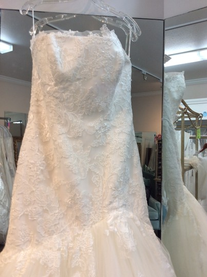 Enzoani Ivory Tulle and Lace Falcon Modern Dress Size 12 (L)