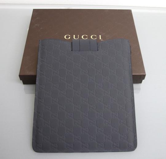 Gucci New GUCCI GG Monogram Guccissima Leather iPad Case Gray 256575 1370 Image 1