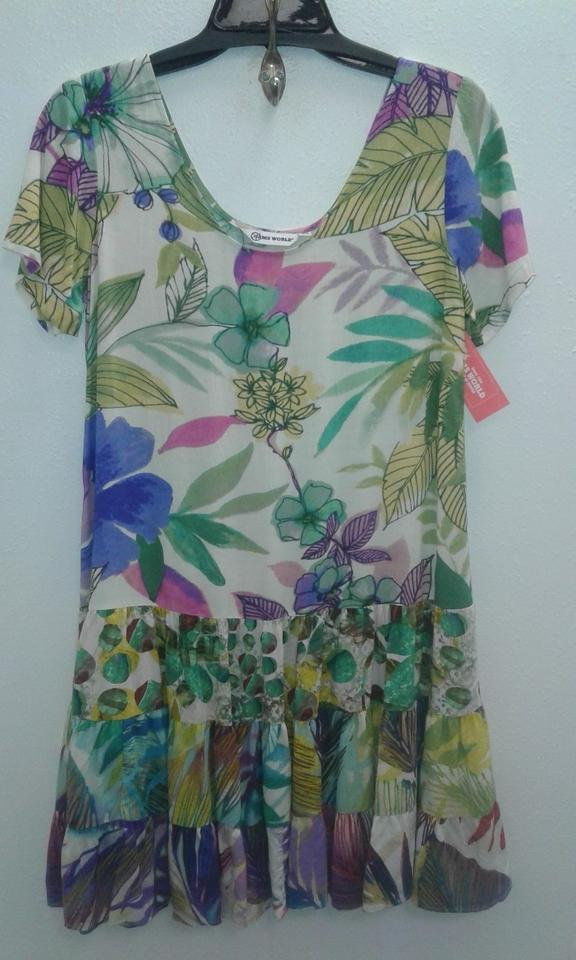 Jams World Hawaiian Dresses - Buy Made in Hawaii Vintage Clothing The Jams World Dresses celebrates over 50 YEARS of COLOR, FREEDOM, DIFFERENCE & LOVE. Buy Made in Hawaii Vintage style clothing that is made with durable fabric that is hand-painted on the outside, ensuing that every product created is one of a kind.