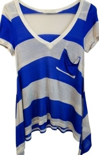 Preload https://img-static.tradesy.com/item/22498/just-ginger-blue-and-cream-striped-and-pocket-tee-shirt-size-8-m-0-0-650-650.jpg