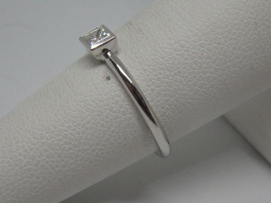 Tiffany & Co. Platinum Princess Cut Diamond Bezet Ring
