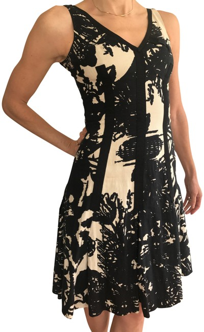 Preload https://item3.tradesy.com/images/tracy-reese-black-and-white-fit-flare-with-grosgrain-details-mid-length-cocktail-dress-size-0-xs-22498537-0-1.jpg?width=400&height=650