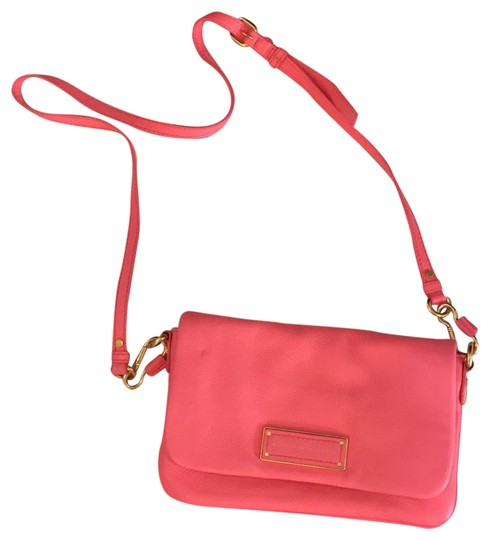 Preload https://item1.tradesy.com/images/marc-by-marc-jacobs-too-hot-to-handle-pink-leather-cross-body-bag-22498565-0-1.jpg?width=440&height=440