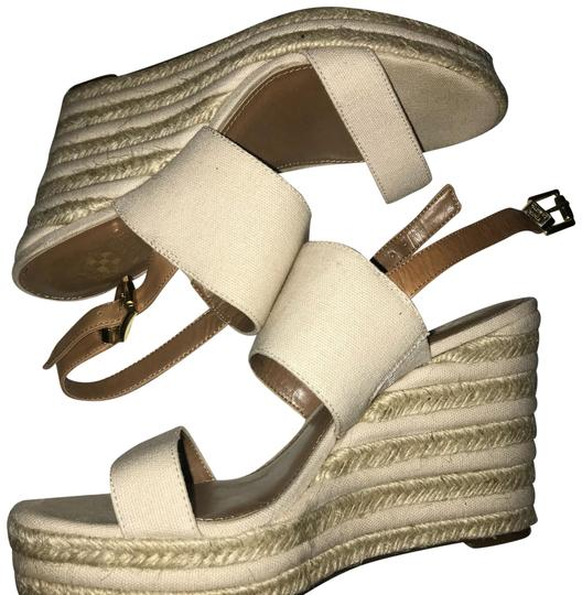 Preload https://item3.tradesy.com/images/vince-camuto-tan-canvas-and-jute-wedges-size-us-8-regular-m-b-22498657-0-1.jpg?width=440&height=440