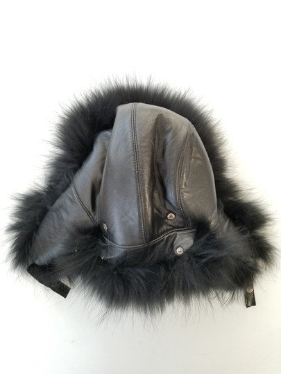 Vera Pelliccia Volpe Fox and Leather Hat