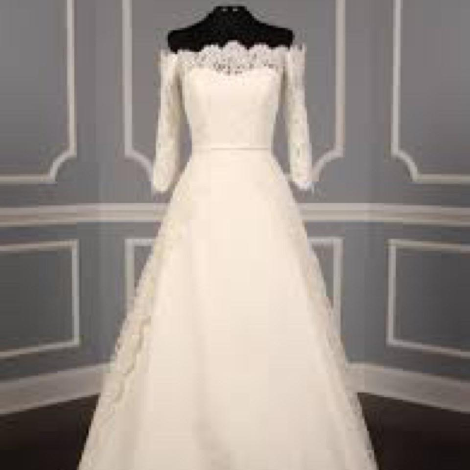 c0315ce92c9 Carolina Herrera White Carmen Traditional Wedding Dress Size 8 (M ...