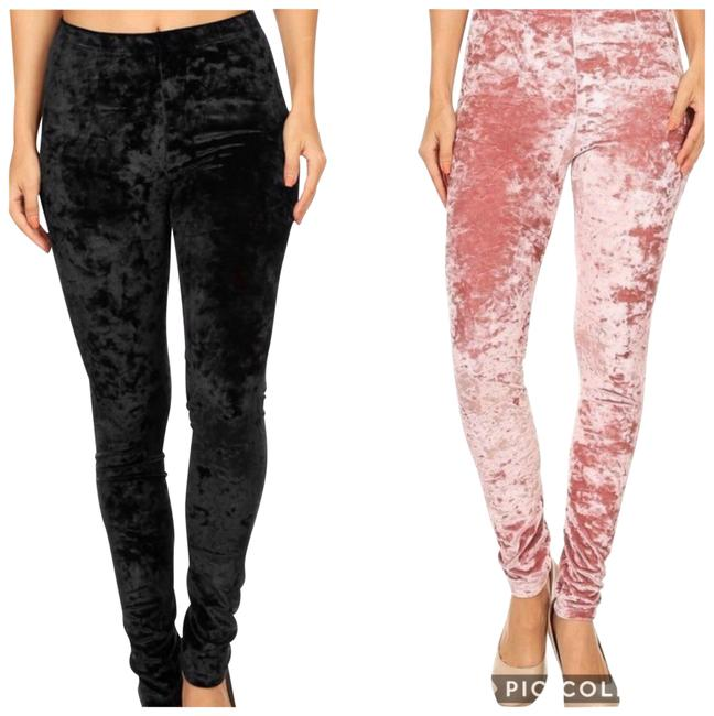 Preload https://img-static.tradesy.com/item/22498844/black-velvet-leggings-size-6-s-28-0-1-650-650.jpg