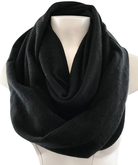 Preload https://img-static.tradesy.com/item/22499161/ann-taylor-black-cashmere-infinity-and-glove-set-scarfwrap-0-3-540-540.jpg