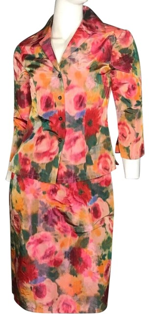 Preload https://item3.tradesy.com/images/trina-turk-floral-skirt-suit-size-6-s-22499347-0-1.jpg?width=400&height=650